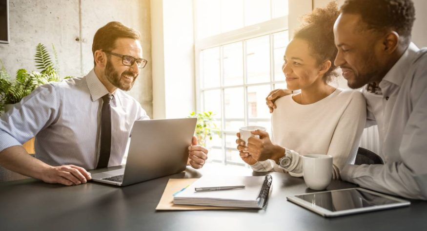 Why You Should Bundle Your Insurance Policies With One Agent